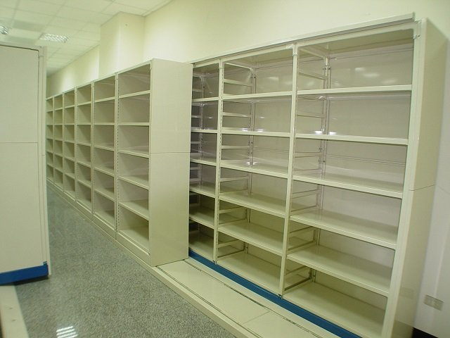 Lateral sliding shelving_001