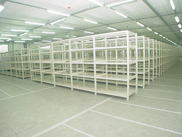 Medium Duty Racking_001
